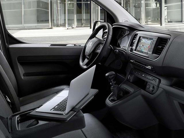 Kupeen til Peugeot Expert Pick-up