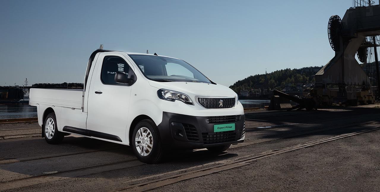 Peugeot Expert Pick-up på en byggeplass
