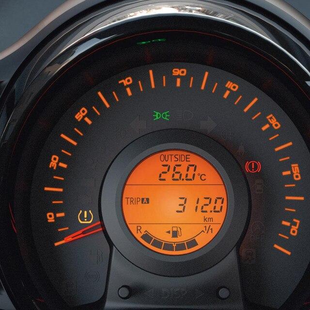 Speedometer i en Peugeot 108